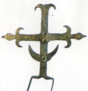 Литовский крест с полумесяцем