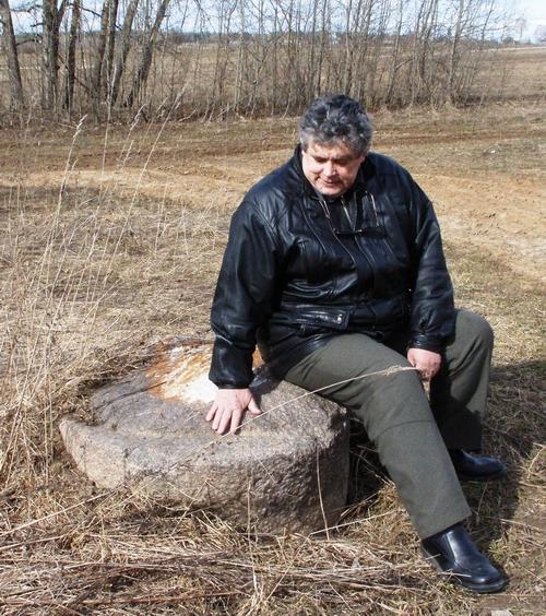 Жертвенный камень в селе Всехсвятское на севере Ярославской области