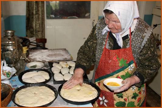 Русская старушка в постели фото 248-698
